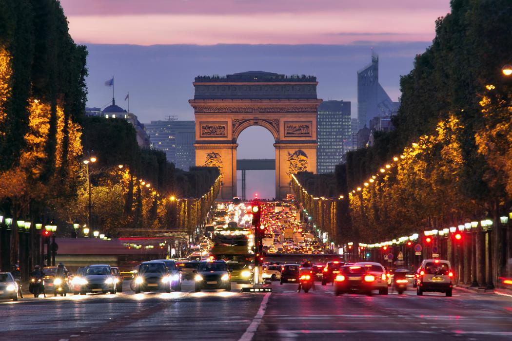 arc de triomphe in paris © http://www.shutterstock.com/