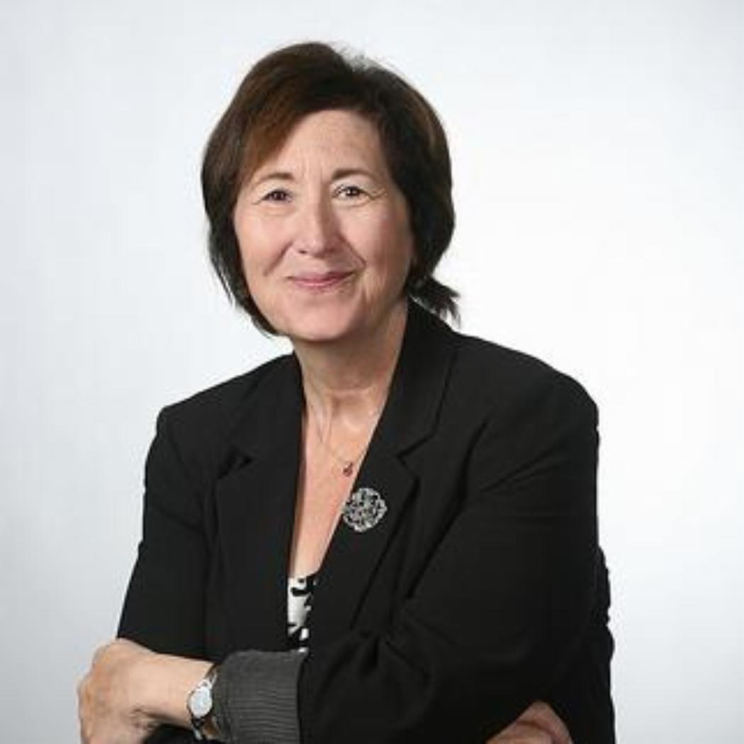 Lynne Schrum