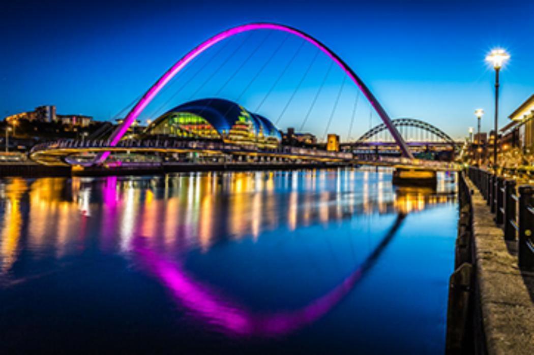 Gateshead millenium bridge 362