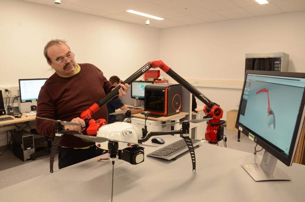 ME 3D printing lab_Kreon laser scanner