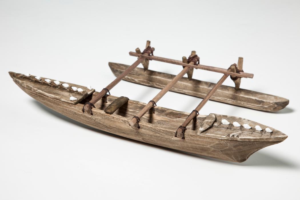Carved wooden canoe by Ioane Iaone UC-APC-1260