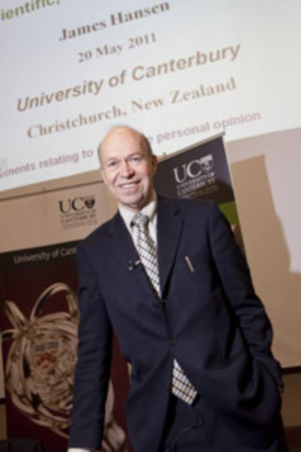 Leading climate scientist gives public lecture at UC
