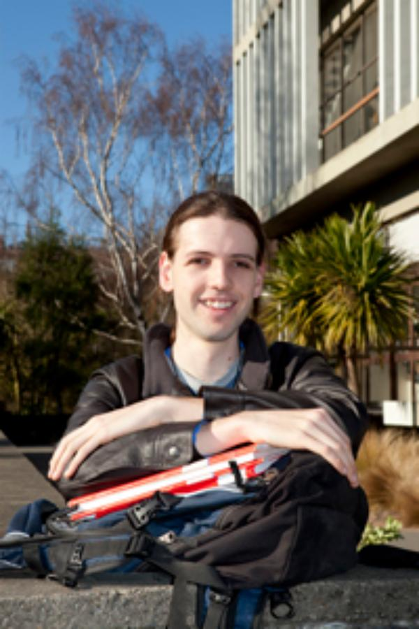 UC astronomy student awarded international optics and photonics scholarship