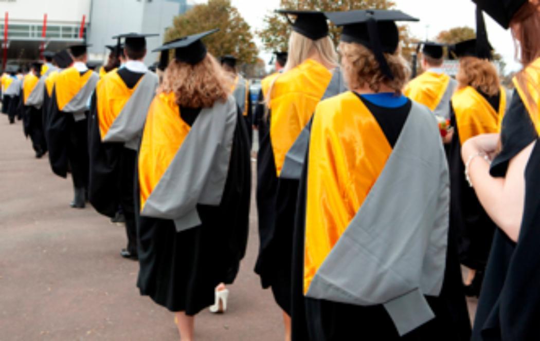 Christmas graduation for more than 1100 students