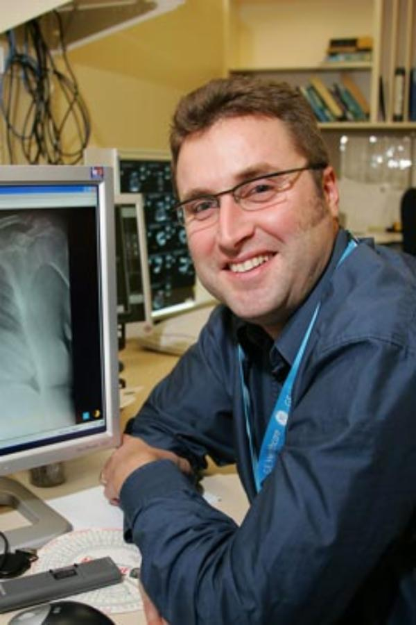 World's first colour x-ray scanner to be developed