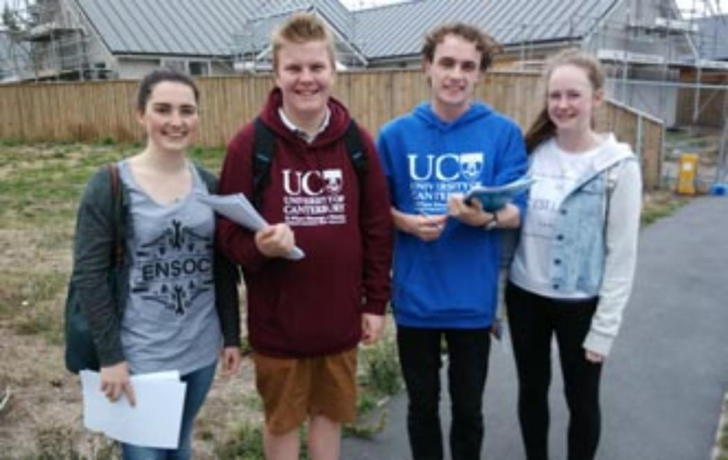 UC students aiding people in the eastern suburbs