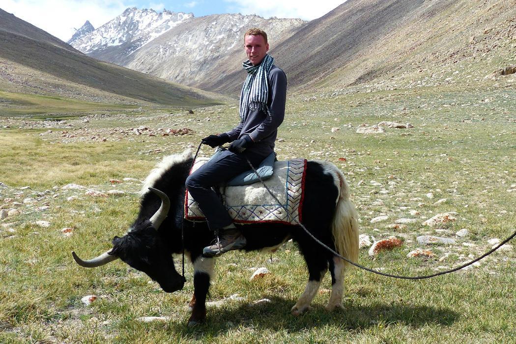 Stefan Warnaar riding a Yaksmall