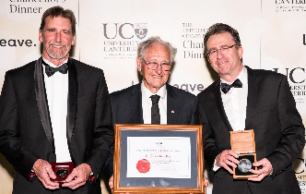 Prof Roy Kerr honoured in UC Chancellor's Dinner