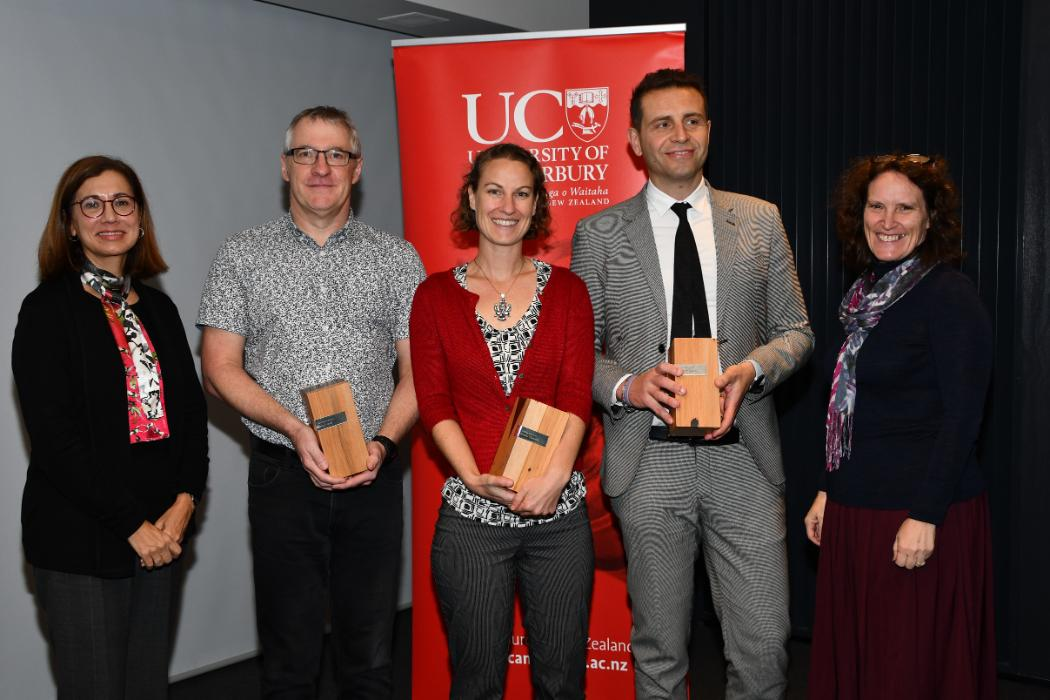 (from left) Vice-Chancellor Professor Cheryl de la Rey with Teaching Award 2019