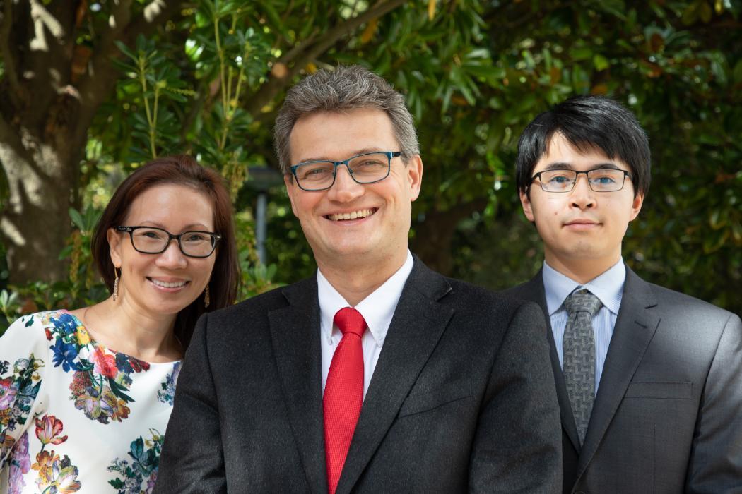 Huong Dang, Jedrzej Bialkowski, Xiaopeng Wei