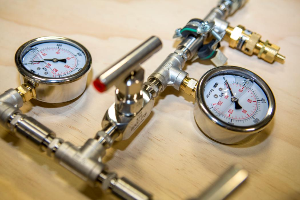 fluid mechanics pressure gauge