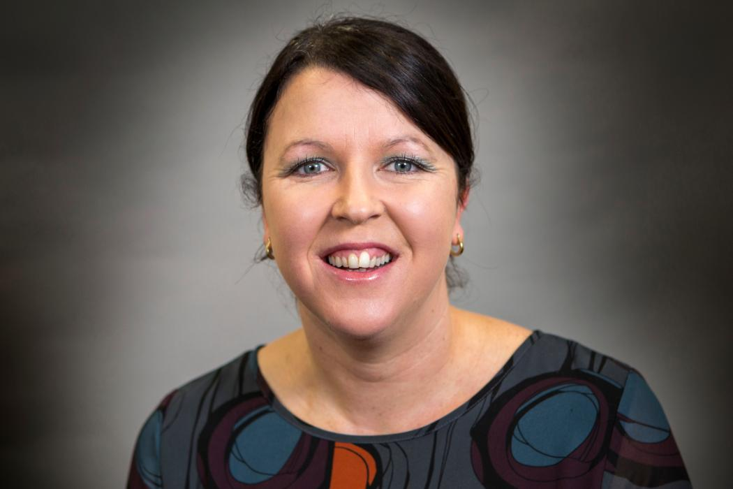 Dr Laurie McLay