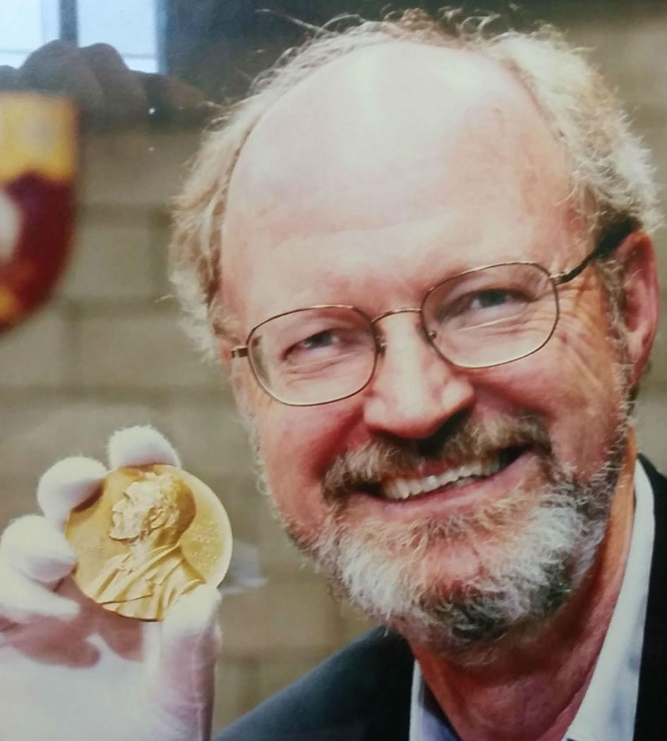 Robert Grubbs with Nobel prize medal