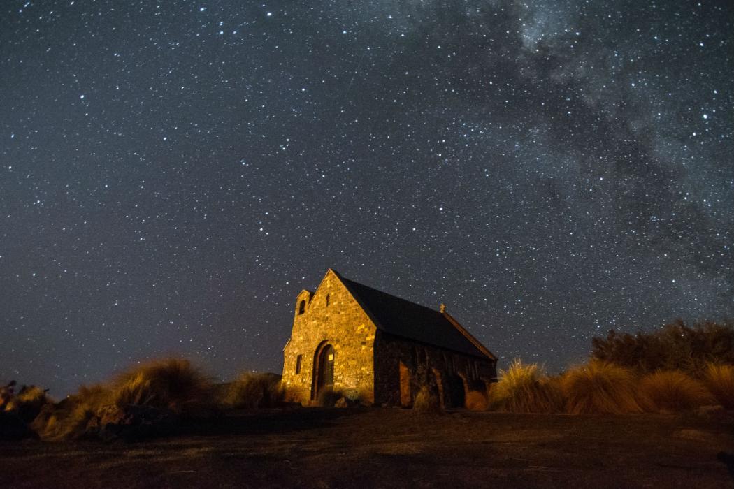 night sky over tekapo church