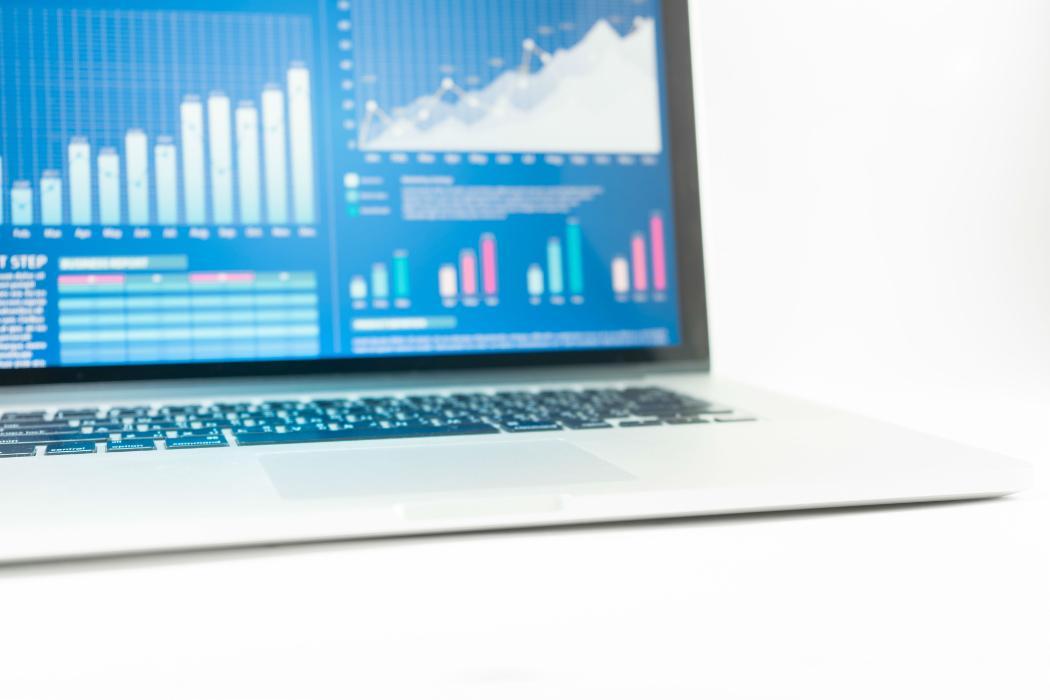 financial graphs screen