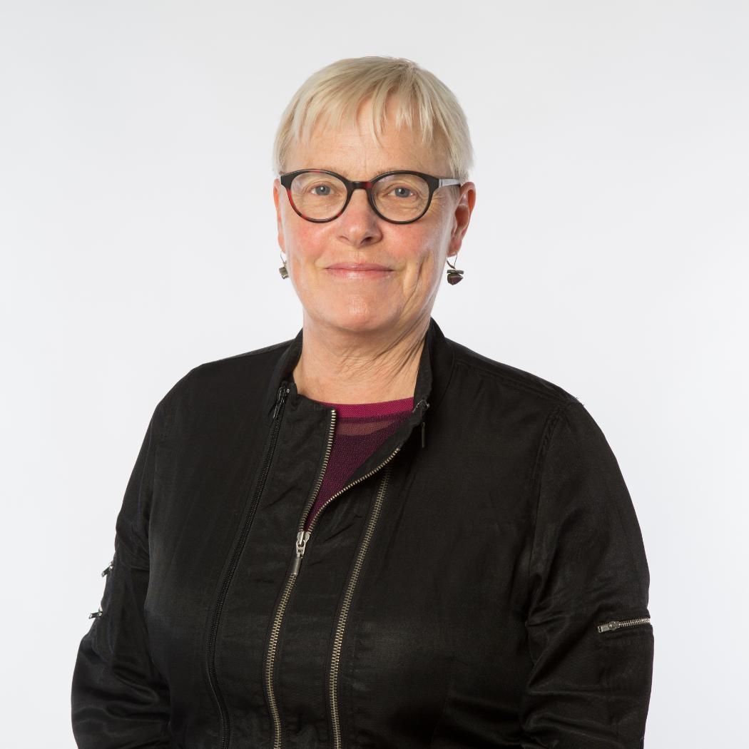 Julie Wuthnow